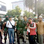 RakyatMerasa Nyaman Bersama Aparat TNI
