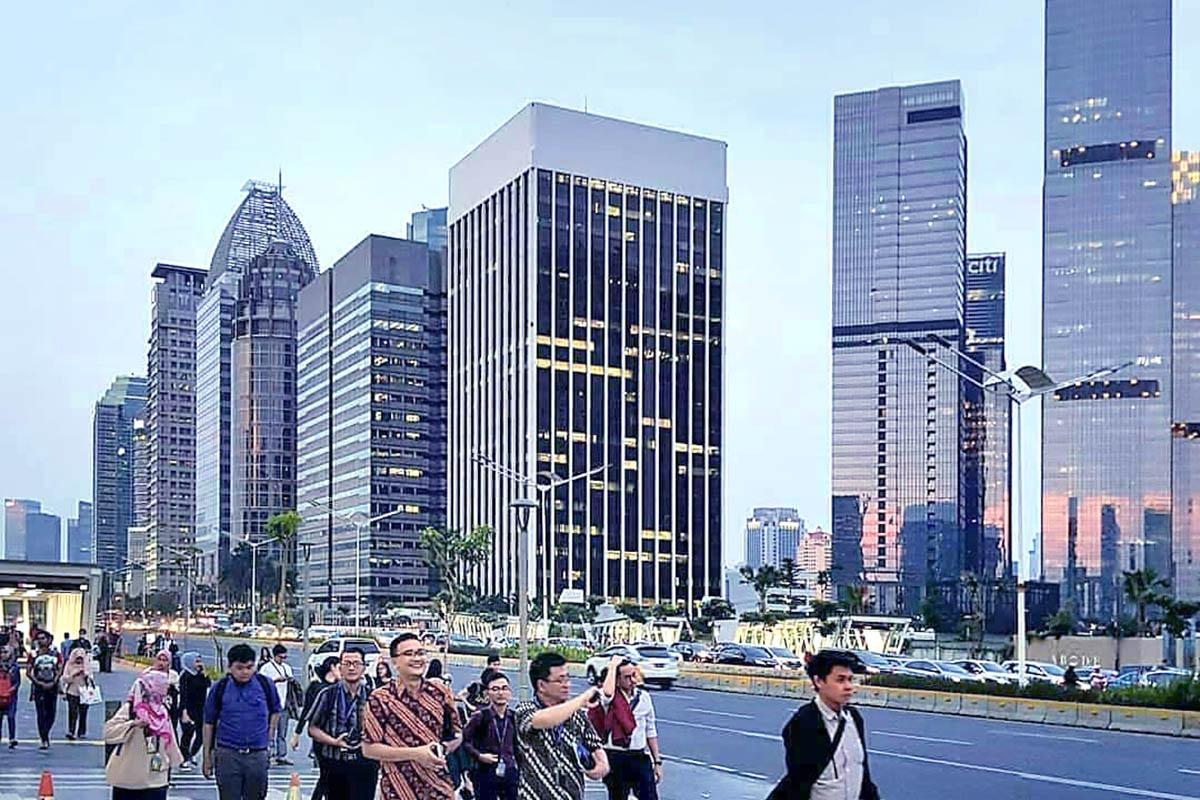 DKI Jakarta Semakin Indah: Siang Hari dan Malam Hari