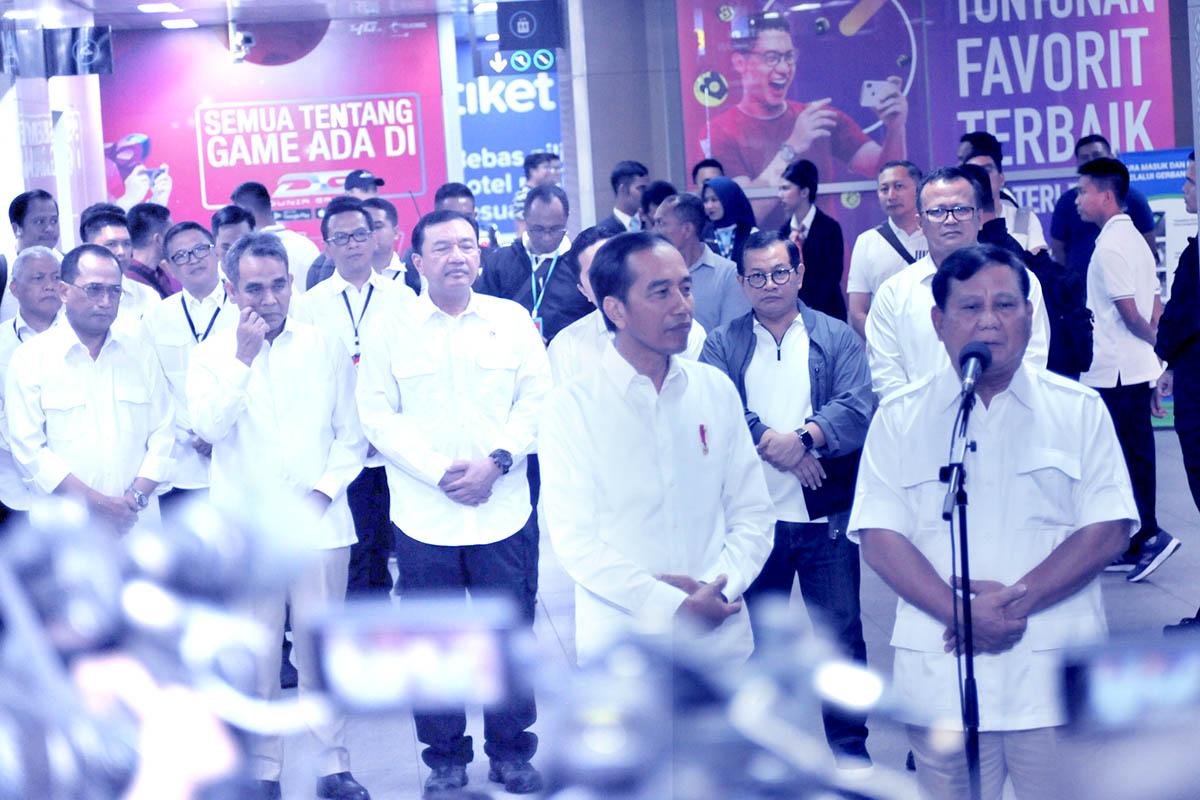 Jokowi Bertemu Prabowo: Pendukung Jokowi Senang, Pendukung Prabowo Marah
