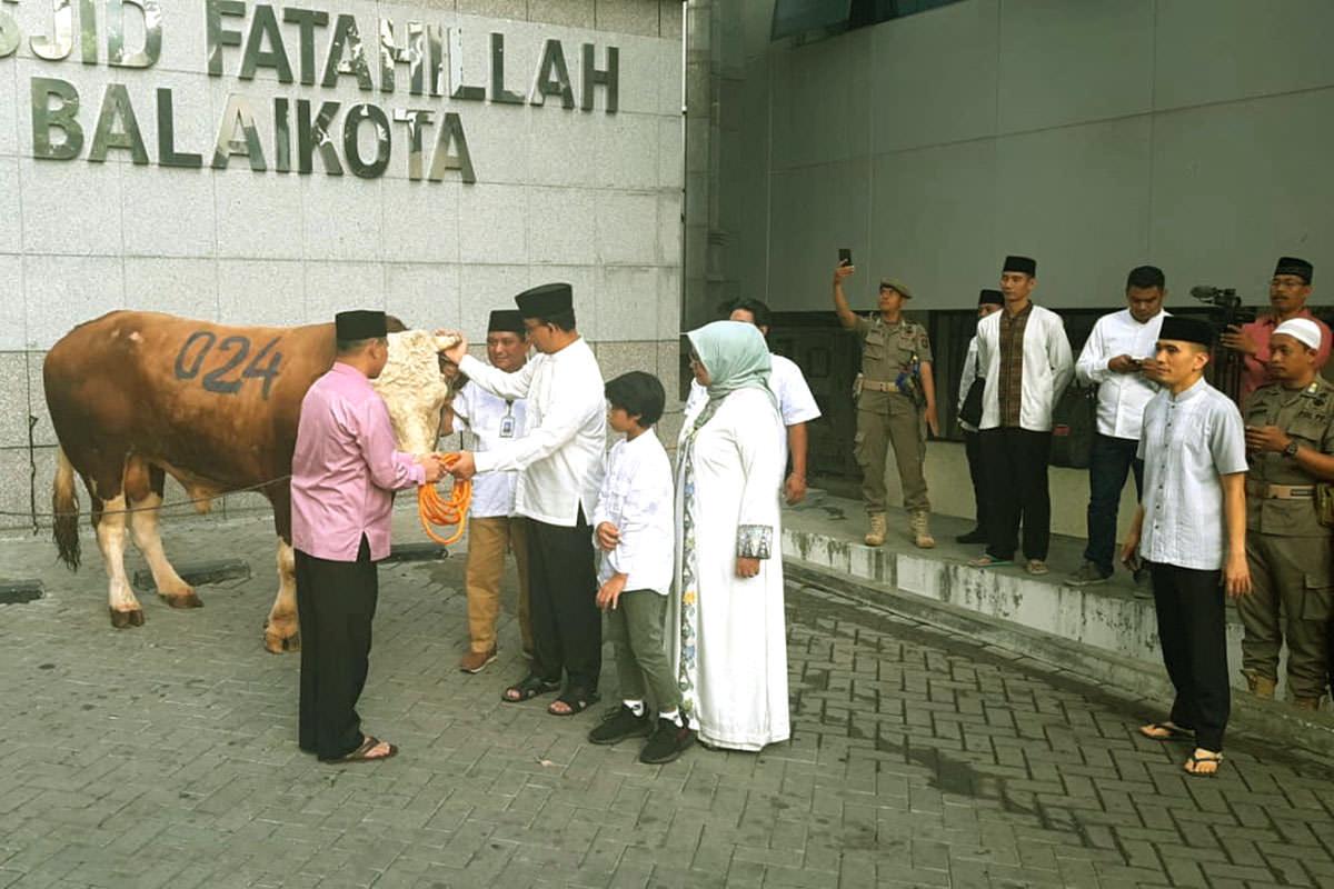 Idul Adha dan Inovasi Gubernur Anies Membagi Daging Hewan Kurban