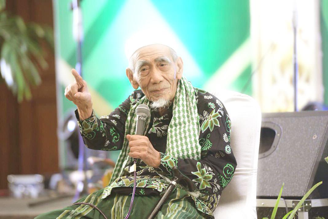 Mbah Moen Wafat: Indonesia Kehilangan Pejuang Islam di Bidang Pendidikan dan Politik