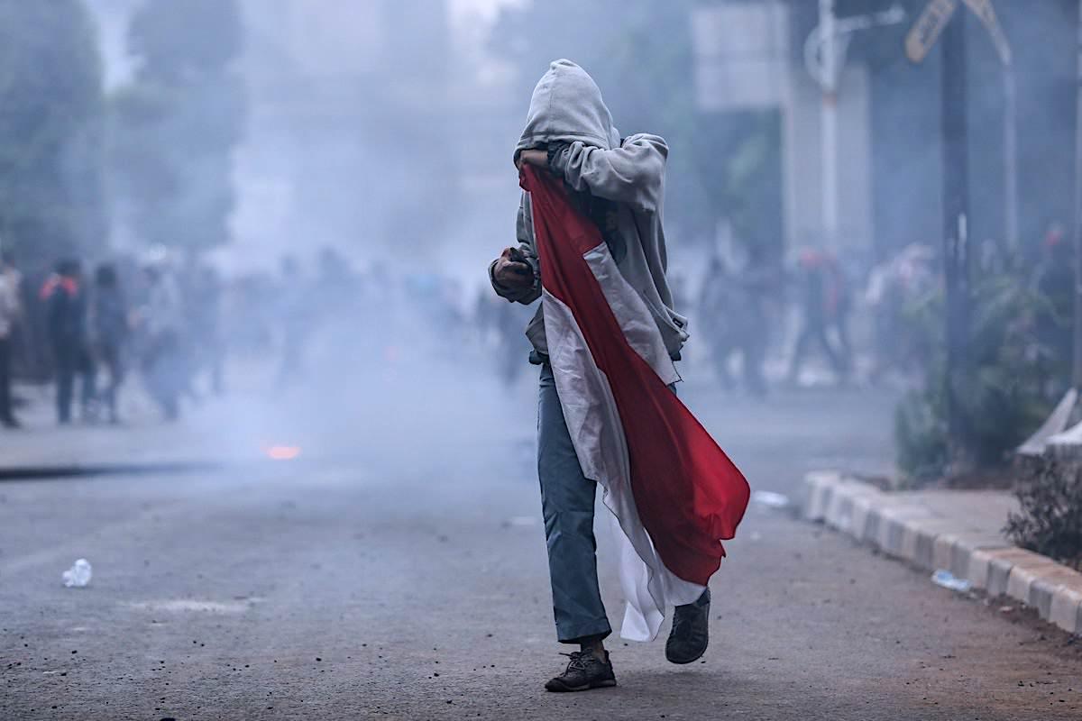 Demo Berlanjut: DPR Menabur Angin Badai Untuk Jokowi