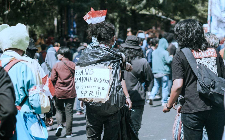 DPR, Demo Generasi Milenial Yang Jenaka - Undang Tawa