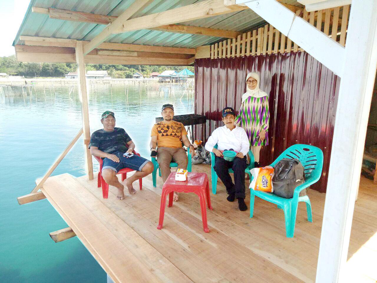 Napak Tilas Mengenang Masa Kecil Melintasi Laut ke Kampung Halaman