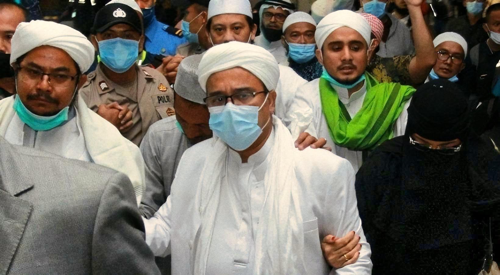 Ramadhan Momentum Habib Rizieq Syihab Dibebaskan dan Penegakan Hukum